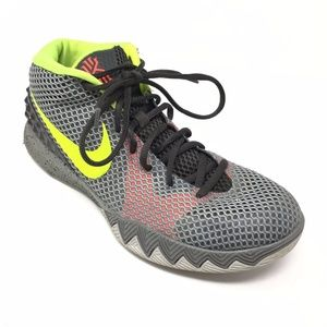 Men's Nike Kyrie 1 Pewter Basketball Shoes Size 9